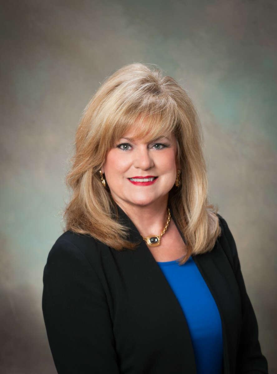 (770)-530-3068linda@bobhillrealty.com Linda Moore